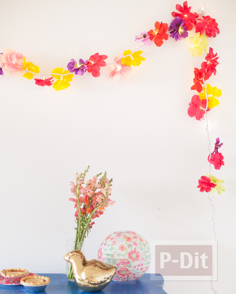 รูป 5 โมบายดอกไม้สวยๆ ทำจากดอกไม้ปลอม