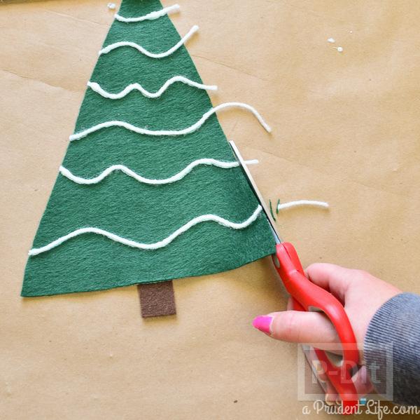 รูป 4 ตกแต่งหมอนอิง ต้นคริสต์มาส สีเขียว