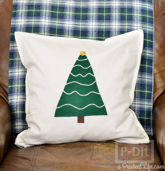 รูป 6 ตกแต่งหมอนอิง ต้นคริสต์มาส สีเขียว