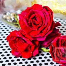 ดอกกุหลาบ ทำจากรังไข่กระดาษ