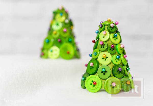 ต้นคริสต์มาส น่ารักๆ กระดุมสีสด