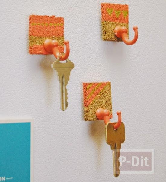 ที่แขวนพวงกุญแจ ทำจากแผ่นไม้ก็อก