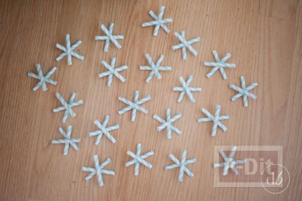 รูป 5 โมบายหิมะปลอม ประดับบ้าน ทำจากหลอด