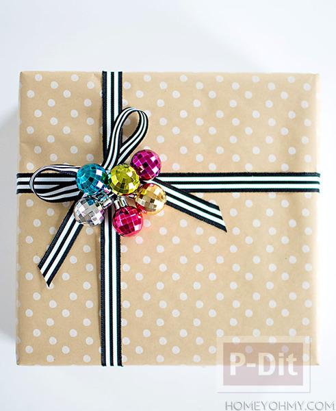 รูป 2 ไอเดียห่อของขวัญสวยๆ ผูกริบบิ้น น่ารักๆ