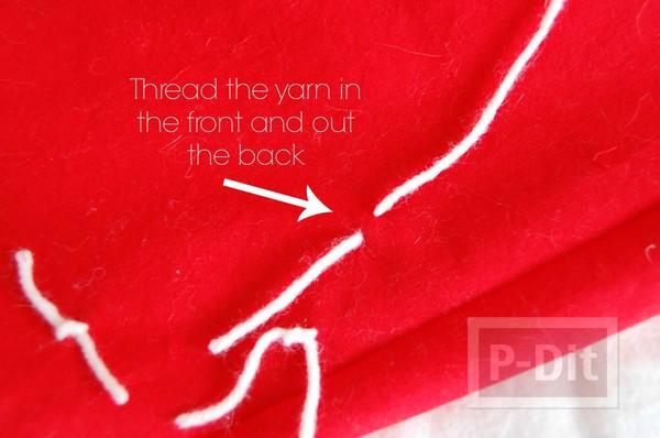 รูป 3 หมอนอิง สีแดง ขาว ตกแต่งประดับเชือก