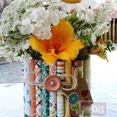 แจกันดอกไม้ ประดับจากกระดาษสีสวย