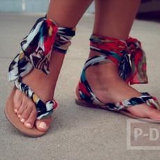 รองเท้าแตะ ผูกผ้าสีสวย รัดส้นเท้า