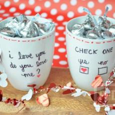 แก้วกาแฟ เขียนข้อความส่งความรัก วันวาเลนไทน์