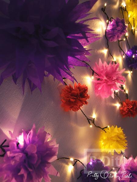 รูป 3 ทำดอกไม้ ประดับไฟกระพริบ จากกระดาษสีสด