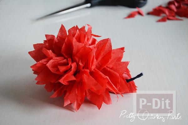 รูป 4 ทำดอกไม้ ประดับไฟกระพริบ จากกระดาษสีสด