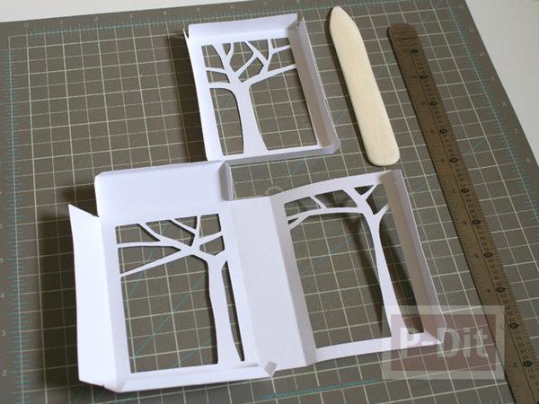 รูป 3 การ์ดวาเลนไทน์ กล่องสีแดงสด ด้านในรูปต้นไม้
