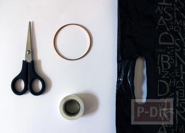 รูป 2 กำไลข้อมือ ทำจากถุงพลาสติก