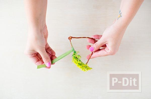 รูป 4 สร้อยข้อมือสวยๆ ทำจากดอกไม้สีสวย สดใส