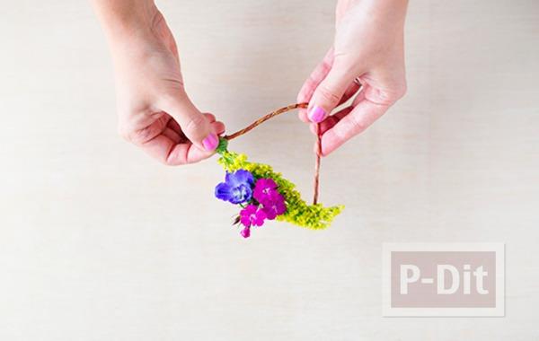 รูป 5 สร้อยข้อมือสวยๆ ทำจากดอกไม้สีสวย สดใส