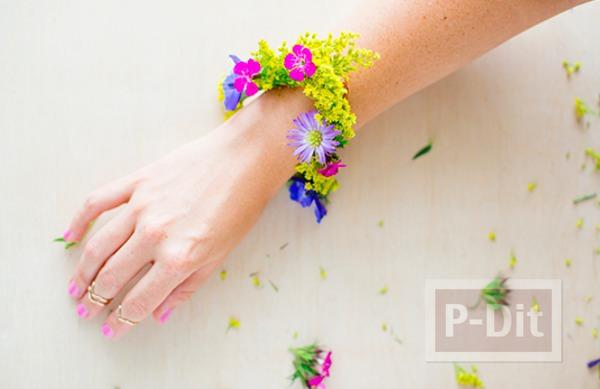 รูป 6 สร้อยข้อมือสวยๆ ทำจากดอกไม้สีสวย สดใส