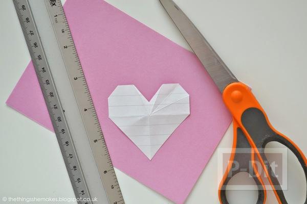 รูป 2 พับกระดาษรูปหัวใจ ประดับกล่อง