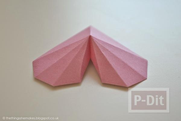 รูป 3 พับกระดาษรูปหัวใจ ประดับกล่อง