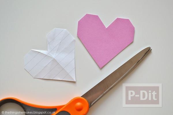 รูป 7 พับกระดาษรูปหัวใจ ประดับกล่อง