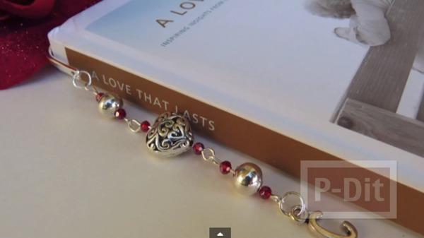 ที่คั่นหนังสือสวยๆ เชื่อมกันด้วยจี้น่ารักๆ