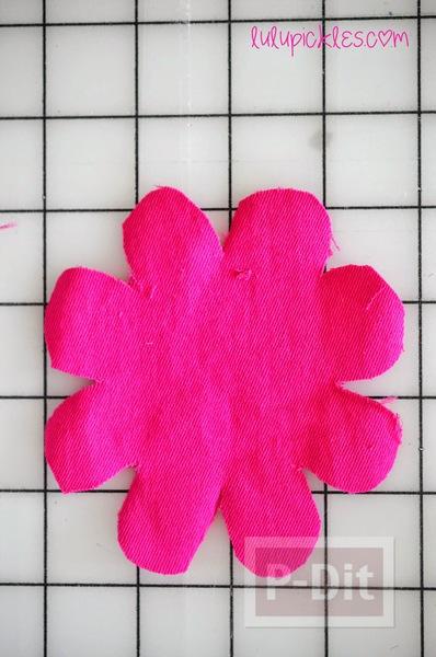 รูป 3 ดอกไม้ผ้า สีสวย ตัดตามแบบ
