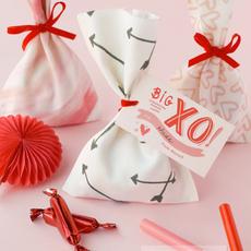 ถุงของขวัญสวยๆ ทำจากผ้า ผูกโบว์