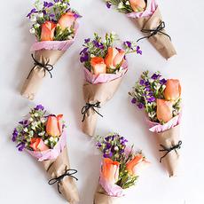 ช่อดอกกุหลาบสวยๆ แจกวันวาเลนไทน์