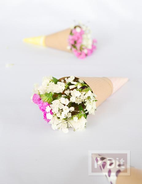 สอนทำกรวยดอกไม้ สวยๆ