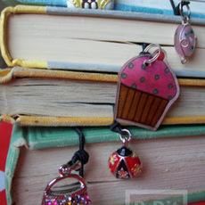 ที่คั่นหนังสือสวยๆ ทำจากเชือกและจี้ ลายน่ารัก