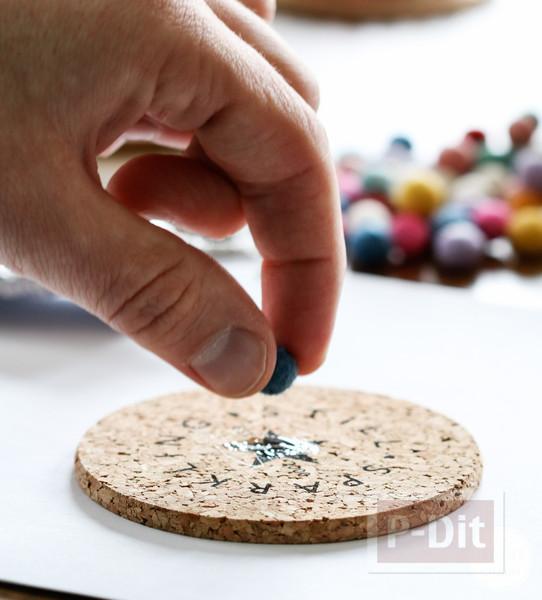 รูป 3 จานรองแก้ว ตกแต่งด้วยลูกบอลเล็กๆ หลากสี