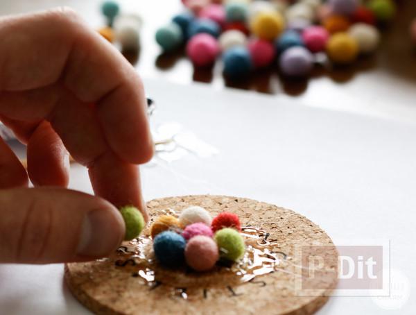 รูป 4 จานรองแก้ว ตกแต่งด้วยลูกบอลเล็กๆ หลากสี