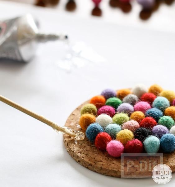 รูป 5 จานรองแก้ว ตกแต่งด้วยลูกบอลเล็กๆ หลากสี