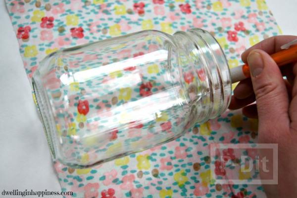 รูป 3 แจกันดอกไม้ ลายสวย ด้วยผ้า