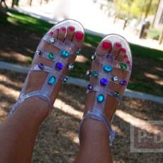 รองเท้ารัดส้น ตกแต่งประดับเม็ดคริสตัล สีสด