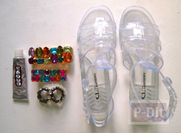 รูป 3 รองเท้ารัดส้น ตกแต่งประดับเม็ดคริสตัล สีสด