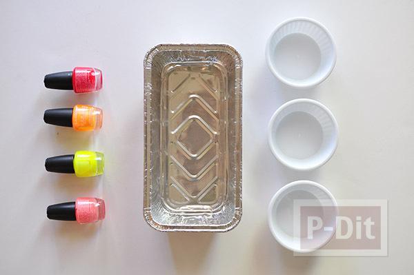 รูป 4 ถ้วยคัพเค้ก ตกแต่งลายสวยๆจากสีทาเล็บผสมน้ำ