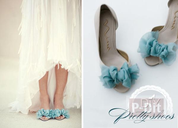 รูป 1 รองเท้าคู่สวย ตกแต่งด้วยผ้าสีสวย