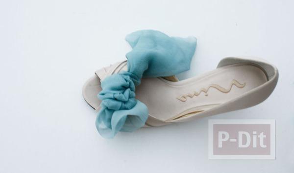 รูป 6 รองเท้าคู่สวย ตกแต่งด้วยผ้าสีสวย