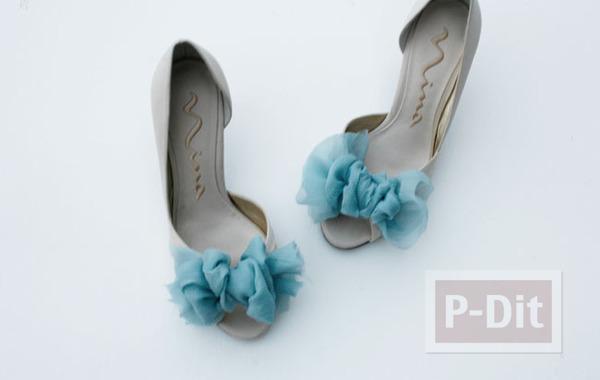 รูป 7 รองเท้าคู่สวย ตกแต่งด้วยผ้าสีสวย