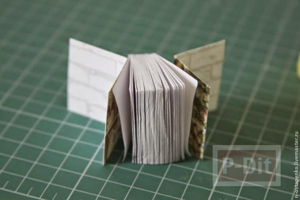 รูป 4 สมุดเล่มเล็ก ทำจากกระดาษ ห่อผ้าสีสวยผูกริบบิ้น