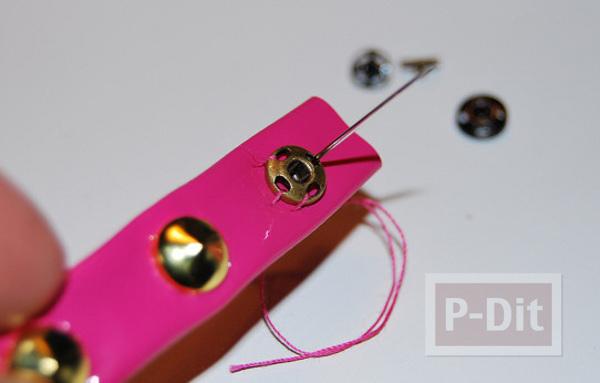 รูป 7 สร้อยข้อมือ ทำจากกระเป๋าพลาสติก สีสด
