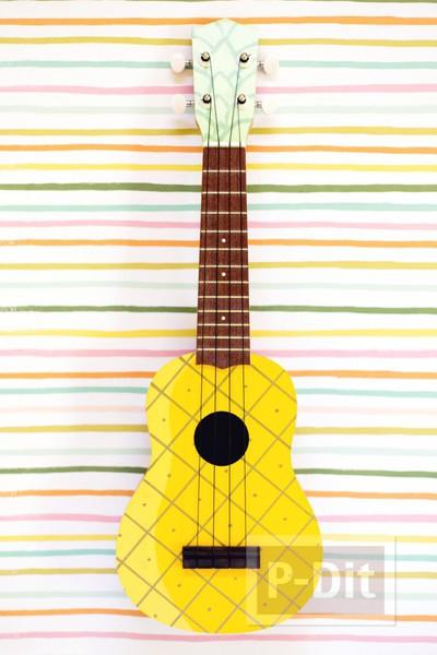 รูป 3 ระบายสีอูคูเลเล่ (ukulele) เป็นรูปสัปปะรด