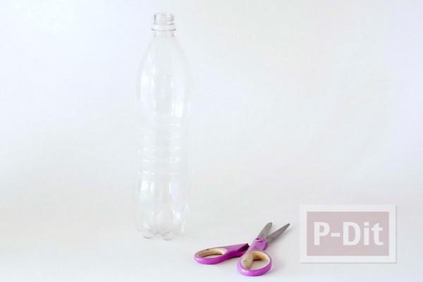 รูป 2 ดอกไม้พลาสติก ทำจากก้นขวดน้ำ