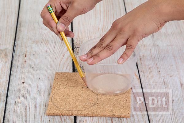 รูป 3 สอนทำที่รองแก้วน้ำ จากไม้ก๊อก ประดับโซ่จักรยาน