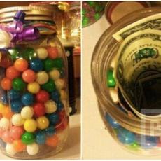 ไอเดียของขวัญ ขวดแก้วใส่ลูกบอล มีเงินแอบอยู่ด้านใน
