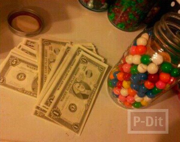 รูป 4 ไอเดียของขวัญ ขวดแก้วใส่ลูกบอล มีเงินแอบอยู่ด้านใน