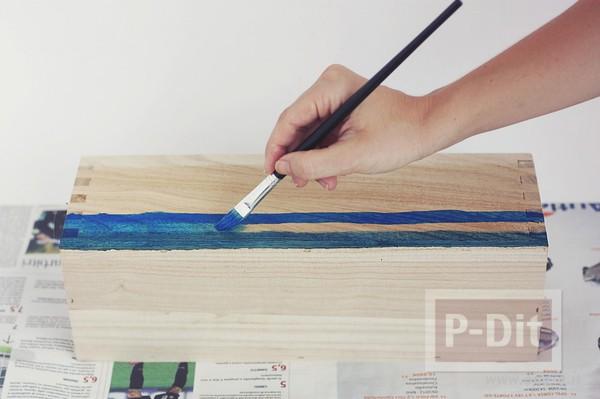 รูป 6 ระบายสีกล่องใส่ดินสอ สีฟ้าใส