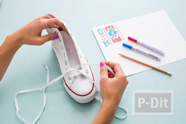 รูป 5 ระบายสี ตกแต่งรองเท้าผ้าใบ คู่สวย