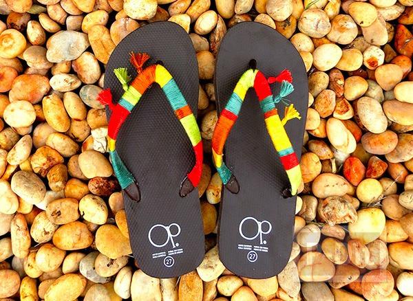 รูป 1 ตกแต่งสายรองเท้าแตะสวยๆ ด้วยเชือกสีสด