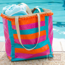 กระเป๋าสะพายเก่าๆ ตกแต่งสีใหม่ ด้วยสก็อตเทป