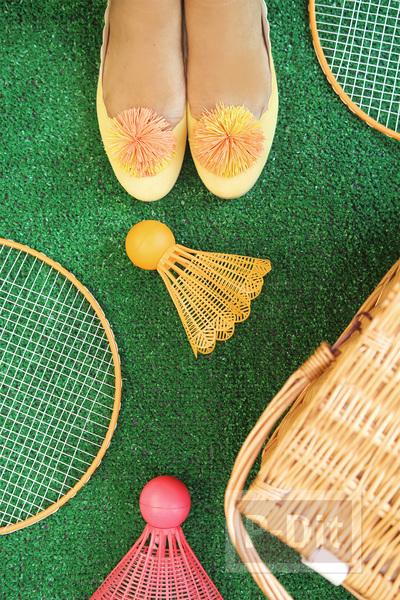 รูป 5 รองเท้าคัชชู ตกแต่ง ลายดอกไม้ ทำจากยางรัดผม